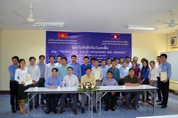"""CDIT giảng dạy khóa đào tạo ngắn hạn về """"Kỹ năng đo kiểm dịch vụ và mạng IP băng rộng"""" tại Học viện Bưu chính Viễn thông Lào (IPT Lào)"""