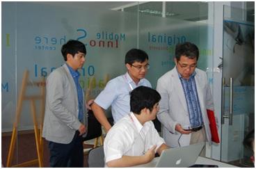 Công ty Samsung Electronics Vietnam đến thăm phòng Lab phát triển ứng dụng và khoa đào tạo Đa phương tiện thuộc CDIT